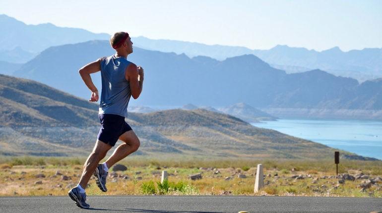 Athlete-aventure-nature-Huile-de-CBD-1001-HERBES-Coureur