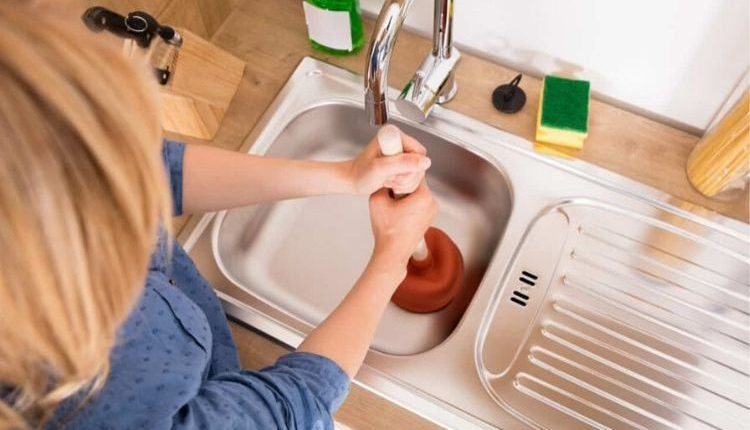 Comment bien déboucher votre évier de cuisine