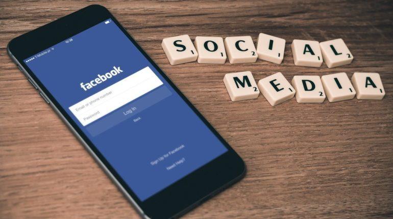 Deuil numérique : que faire des réseaux sociaux d'un proche décédé?